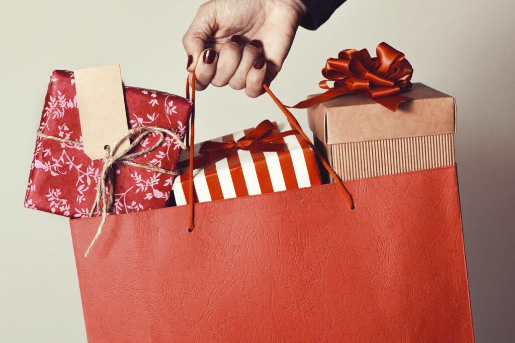 Sacola com presentes de natal